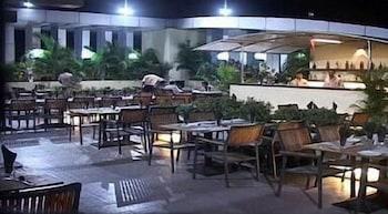 호텔 앰비언스 이그제큐티브(Hotel Ambience Executive) Hotel Image 24 - Hotel Bar