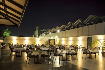 호텔 앰비언스 이그제큐티브(Hotel Ambience Executive) Hotel Image 41 - Outdoor Dining