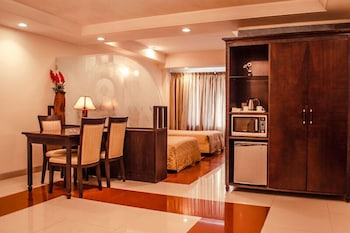 호텔 앰비언스 이그제큐티브(Hotel Ambience Executive) Hotel Image 6 - Guestroom