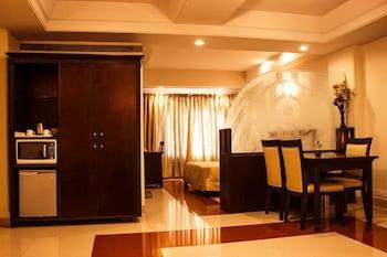 호텔 앰비언스 이그제큐티브(Hotel Ambience Executive) Hotel Image 12 - Guestroom View