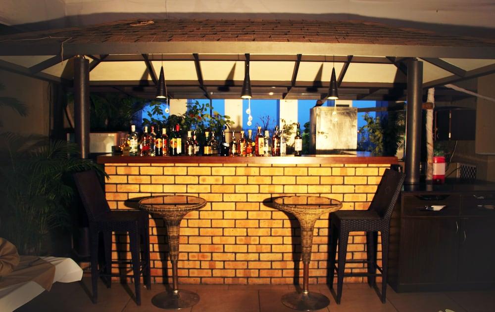 호텔 앰비언스 이그제큐티브(Hotel Ambience Executive) Hotel Image 26 - Hotel Bar