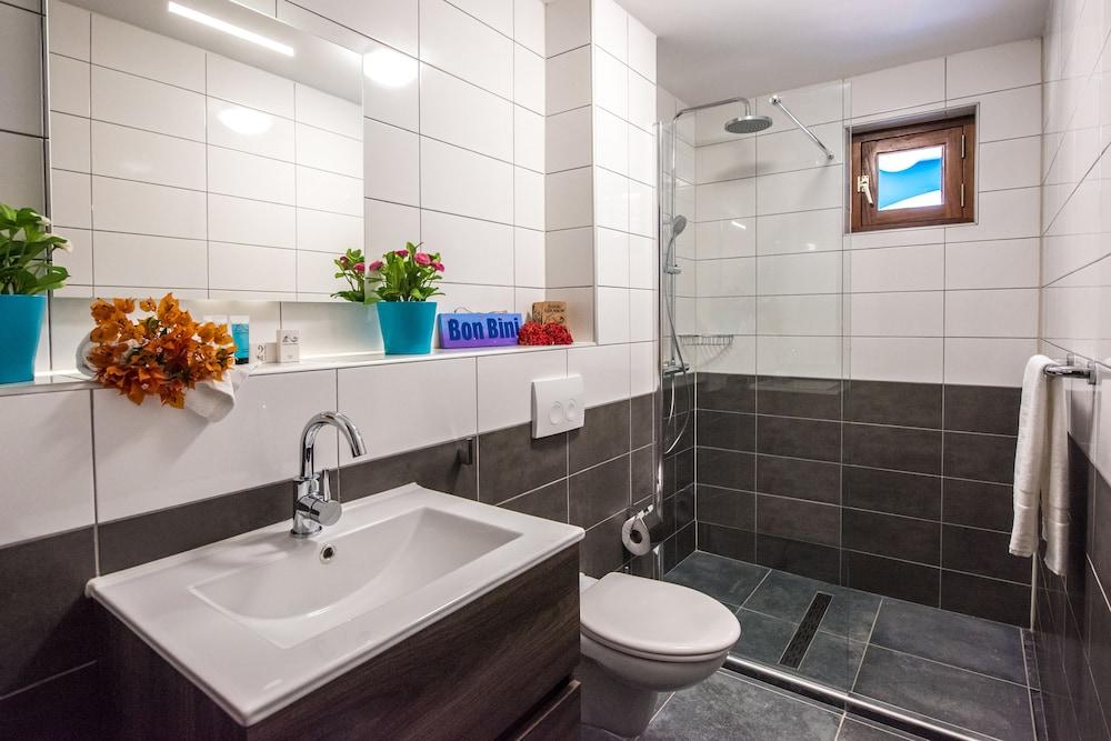 쿠누쿠 아쿠아 리조트 - 올인클루시브(Kunuku Aqua Resort - All Inclusive) Hotel Image 23 - Bathroom