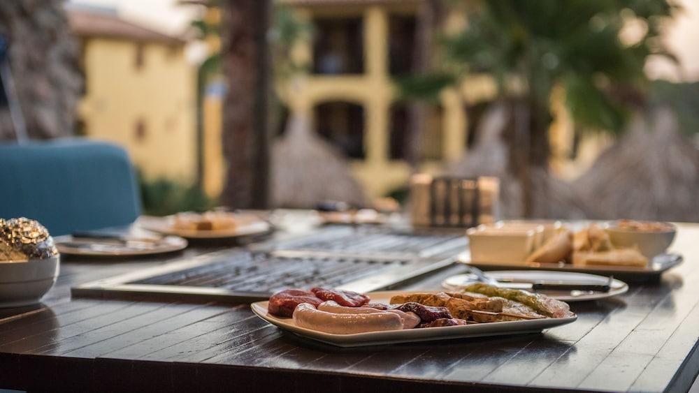 쿠누쿠 아쿠아 리조트 - 올인클루시브(Kunuku Aqua Resort - All Inclusive) Hotel Image 89 - Outdoor Dining