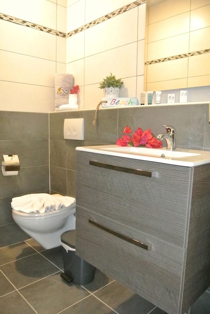 쿠누쿠 아쿠아 리조트 - 올인클루시브(Kunuku Aqua Resort - All Inclusive) Hotel Image 22 - Bathroom