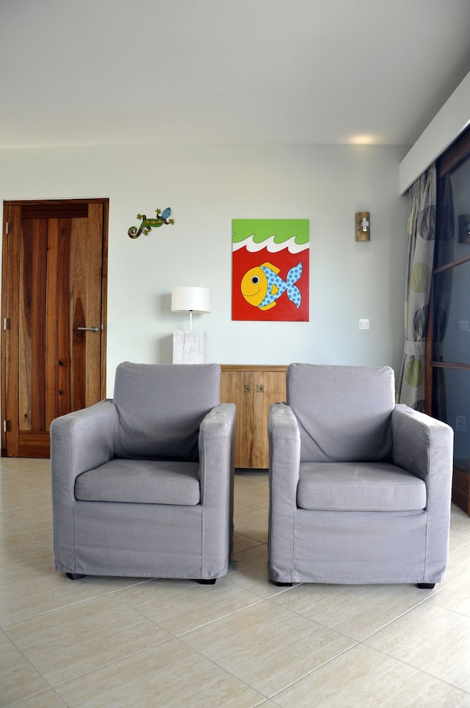 쿠누쿠 아쿠아 리조트 - 올인클루시브(Kunuku Aqua Resort - All Inclusive) Hotel Image 13 - Living Room