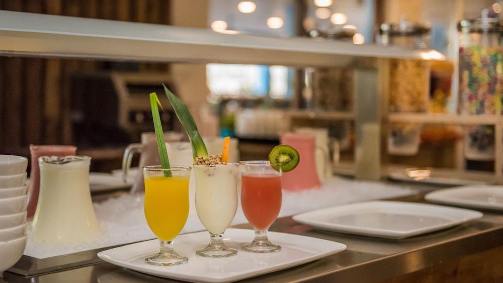 쿠누쿠 아쿠아 리조트 - 올인클루시브(Kunuku Aqua Resort - All Inclusive) Hotel Image 62 - Food and Drink