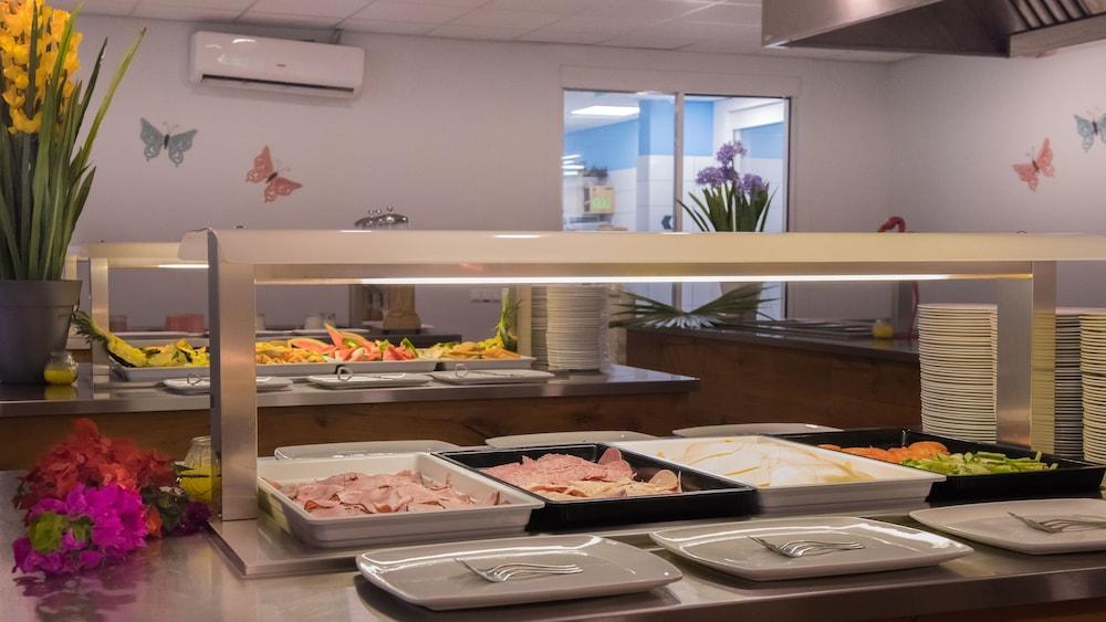 쿠누쿠 아쿠아 리조트 - 올인클루시브(Kunuku Aqua Resort - All Inclusive) Hotel Image 65 - Food and Drink