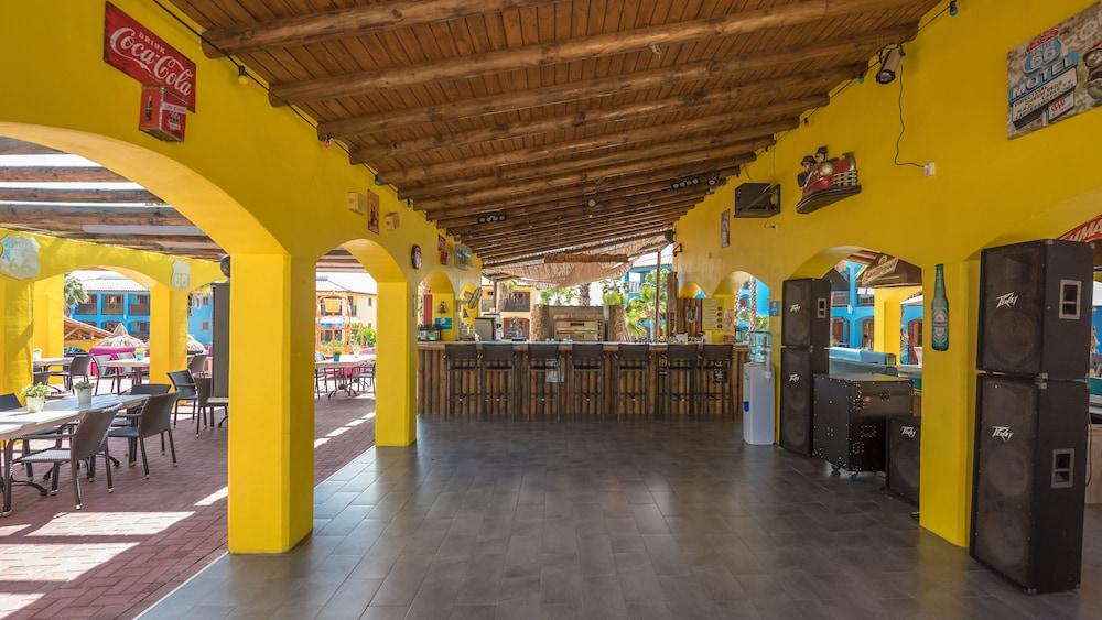 쿠누쿠 아쿠아 리조트 - 올인클루시브(Kunuku Aqua Resort - All Inclusive) Hotel Image 93 - Outdoor Dining