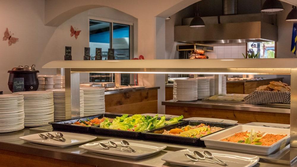 쿠누쿠 아쿠아 리조트 - 올인클루시브(Kunuku Aqua Resort - All Inclusive) Hotel Image 72 - Food and Drink