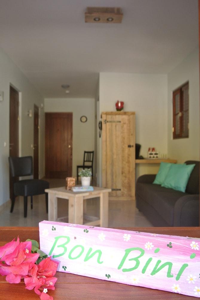 쿠누쿠 아쿠아 리조트 - 올인클루시브(Kunuku Aqua Resort - All Inclusive) Hotel Image 12 - Living Area