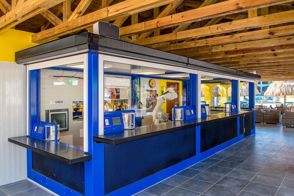쿠누쿠 아쿠아 리조트 - 올인클루시브(Kunuku Aqua Resort - All Inclusive) Hotel Image 78 - Poolside Bar