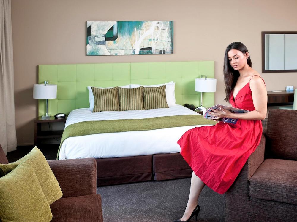 메르큐르 멜버른 캐롤라인스프링스(Mercure Melbourne Caroline Springs) Hotel Image 3 - Guestroom