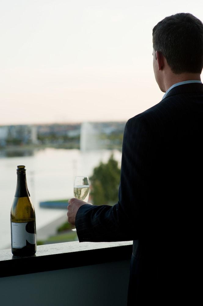 메르큐르 멜버른 캐롤라인스프링스(Mercure Melbourne Caroline Springs) Hotel Image 22 - Guestroom View