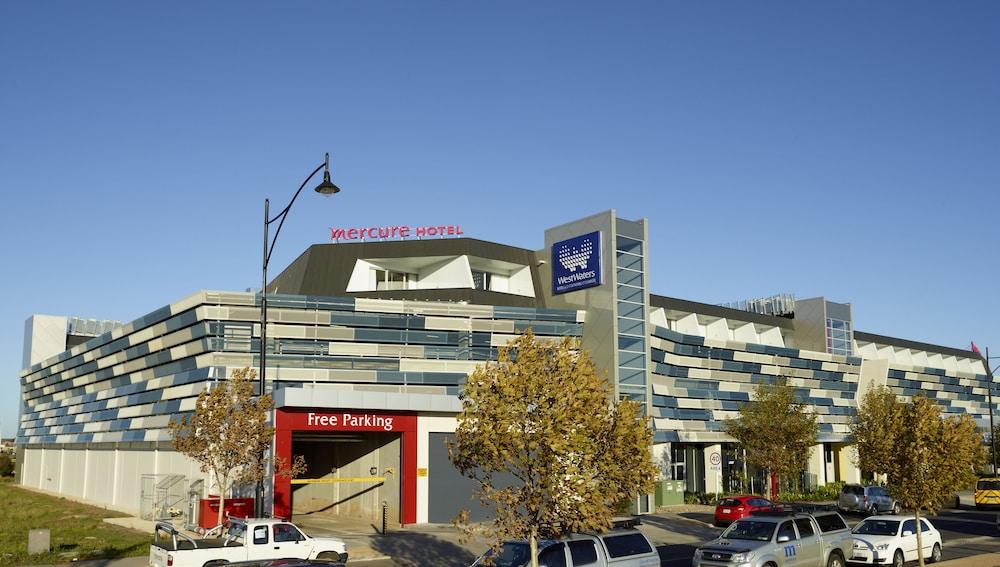 메르큐르 멜버른 캐롤라인스프링스(Mercure Melbourne Caroline Springs) Hotel Image 48 - Hotel Front