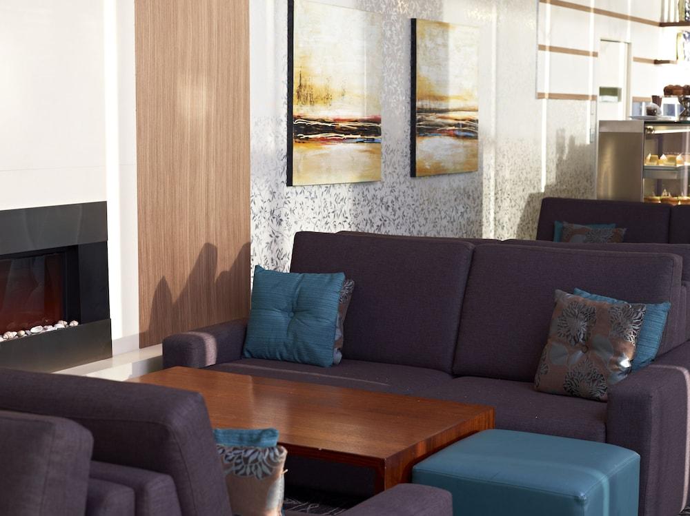 메르큐르 멜버른 캐롤라인스프링스(Mercure Melbourne Caroline Springs) Hotel Image 47 - Fireplace