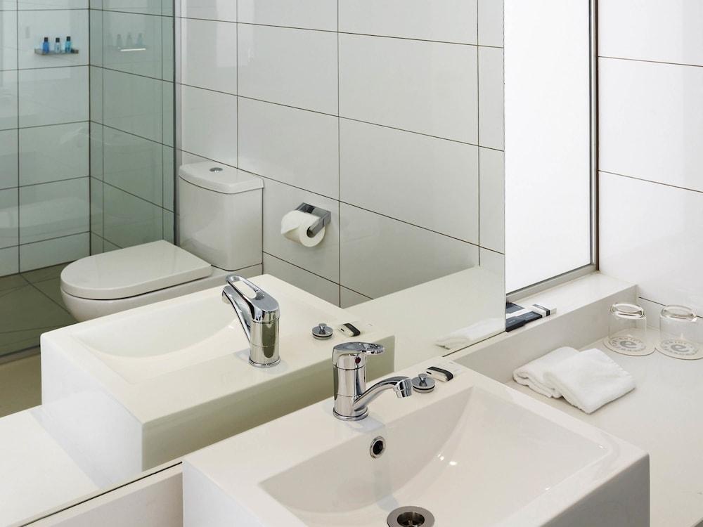 메르큐르 멜버른 캐롤라인스프링스(Mercure Melbourne Caroline Springs) Hotel Image 18 - Guestroom