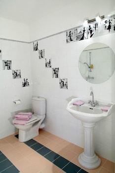 르 를레 루이스 XI(Le Relais Louis XI) Hotel Image 21 - Bathroom