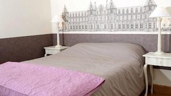 르 를레 루이스 XI(Le Relais Louis XI) Hotel Image 4 - Guestroom