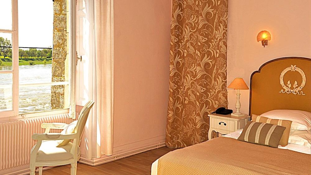 르 를레 루이스 XI(Le Relais Louis XI) Hotel Image 11 - Guestroom