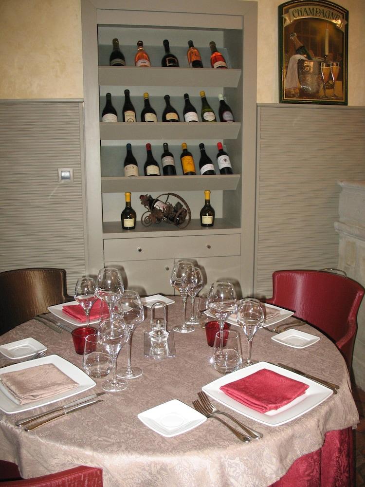 르 를레 루이스 XI(Le Relais Louis XI) Hotel Image 31 - Restaurant