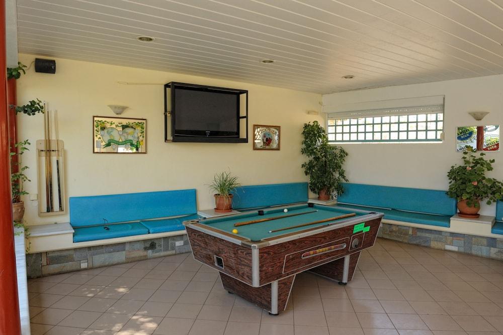 멜리사 아파트먼트(Melissa Apartments) Hotel Image 40 - Billiards