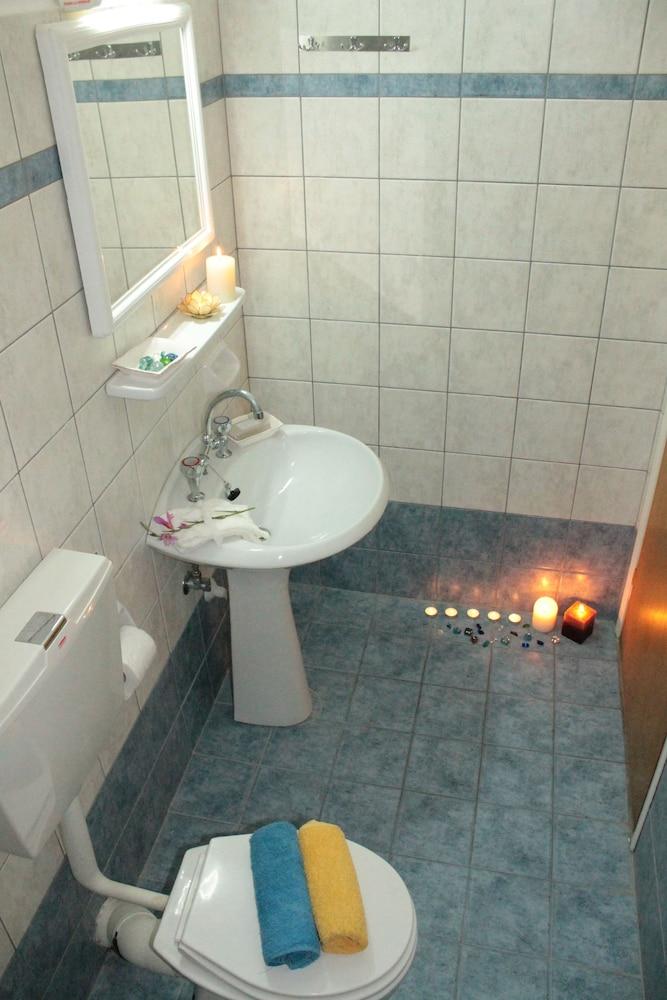 멜리사 아파트먼트(Melissa Apartments) Hotel Image 28 - Bathroom Amenities