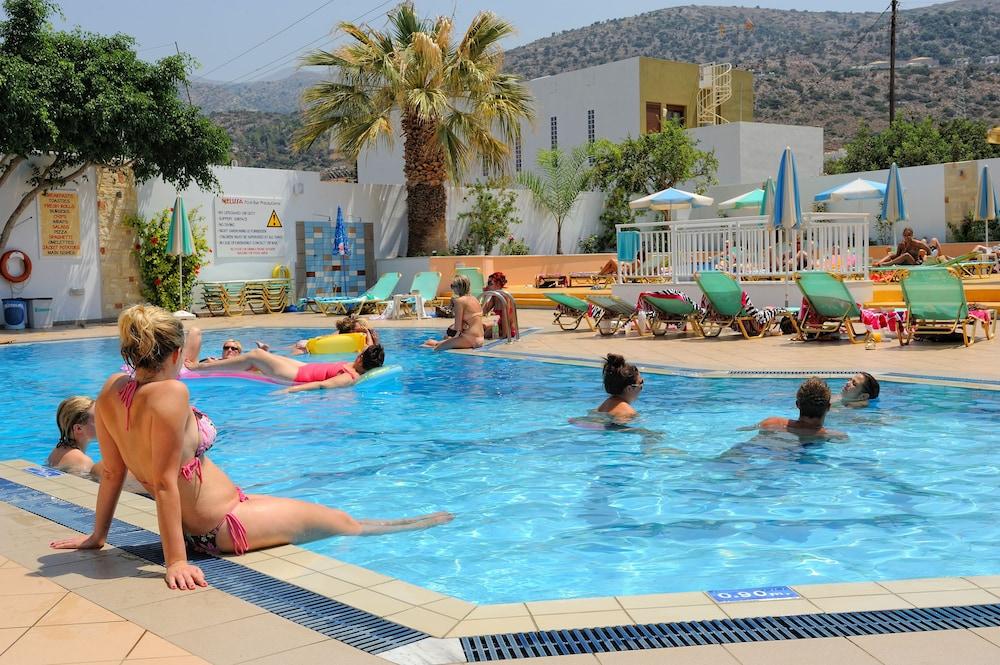 멜리사 아파트먼트(Melissa Apartments) Hotel Image 57 - Outdoor Pool