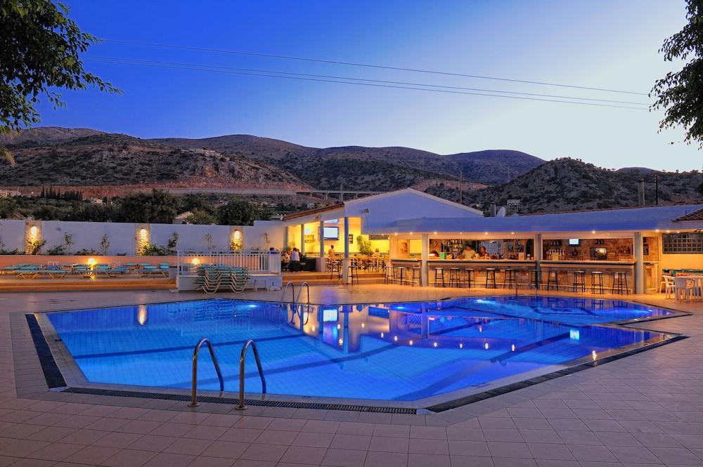 멜리사 아파트먼트(Melissa Apartments) Hotel Image 30 - Outdoor Pool
