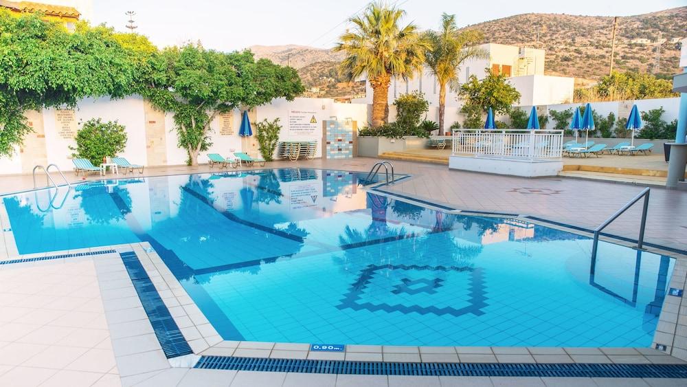 멜리사 아파트먼트(Melissa Apartments) Hotel Image 36 - Outdoor Pool