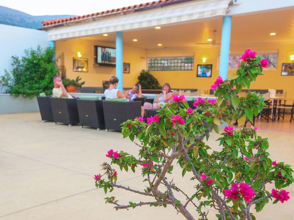 멜리사 아파트먼트(Melissa Apartments) Hotel Image 41 - Breakfast Area