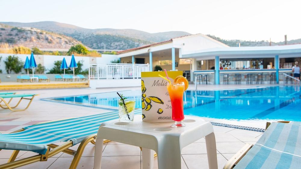 멜리사 아파트먼트(Melissa Apartments) Hotel Image 38 - Outdoor Pool