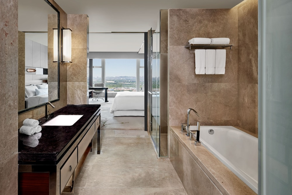 웨스틴 파조우(The Westin Pazhou) Hotel Image 31 - Bathroom