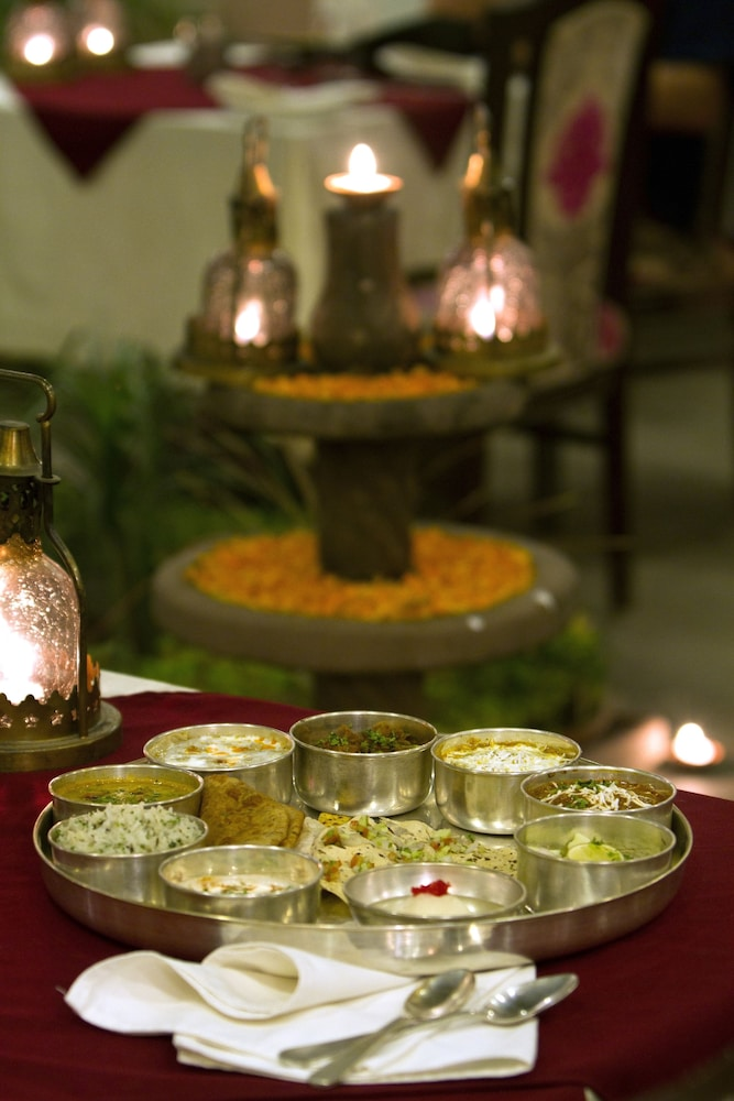 수리아우다이 하벨리 - 언 암리타라 리조트(Suryauday Haveli - An Amritara Resort) Hotel Image 13 - Dining