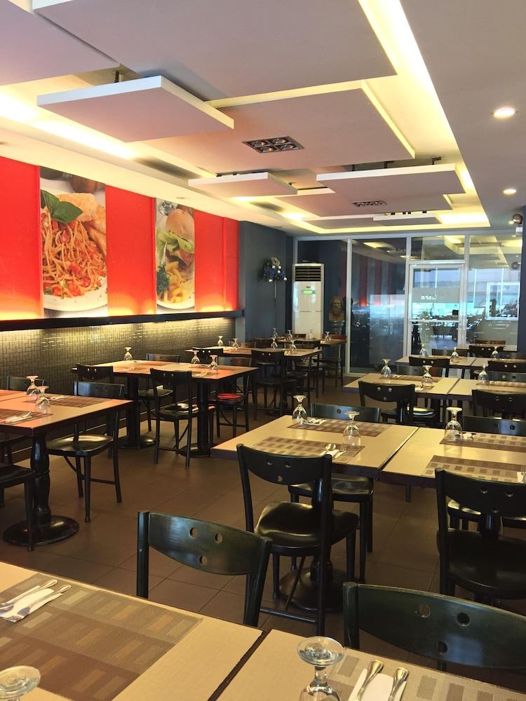 로빈즈데일 레지던스(Robbinsdale Residences) Hotel Image 19 - Coffee Shop