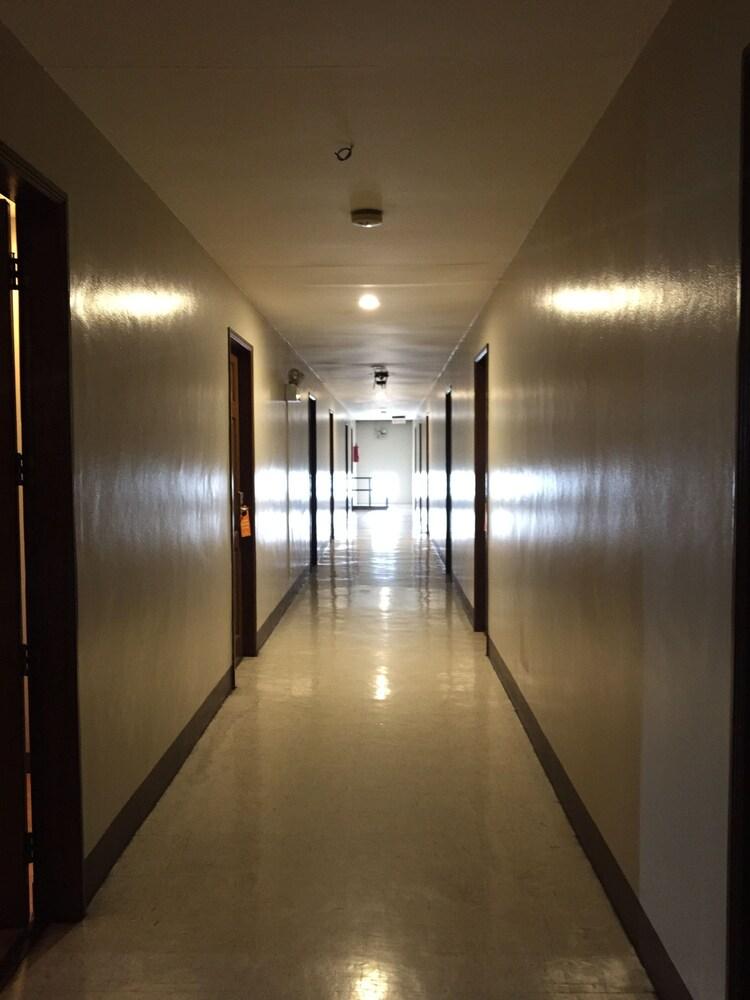 로빈즈데일 레지던스(Robbinsdale Residences) Hotel Image 21 - Hallway