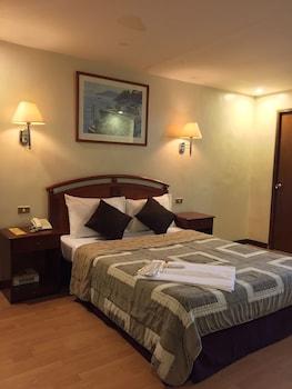 Robbinsdale Residences - Guestroom  - #0