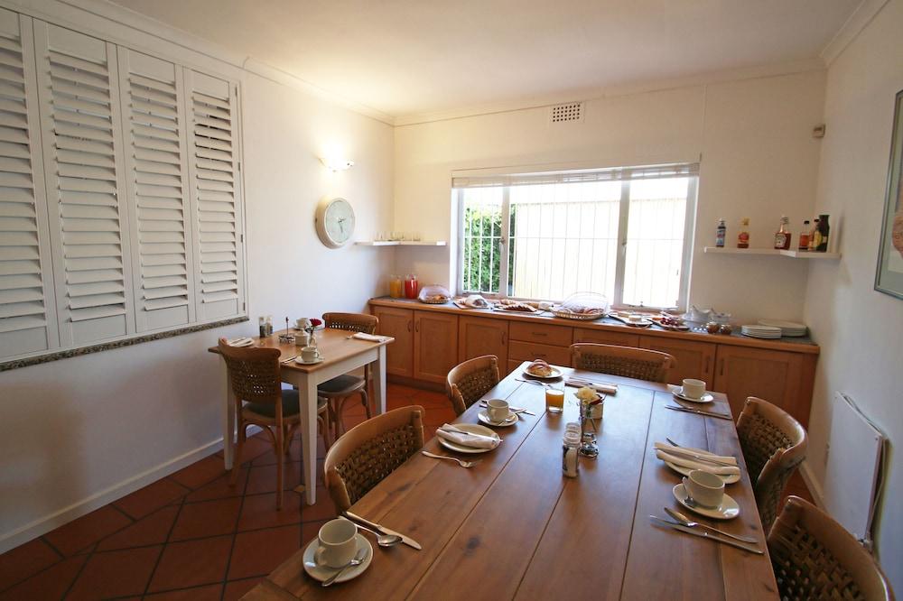 파라디소 게스트 하우스(Paradiso Guest House) Hotel Image 43 - Buffet
