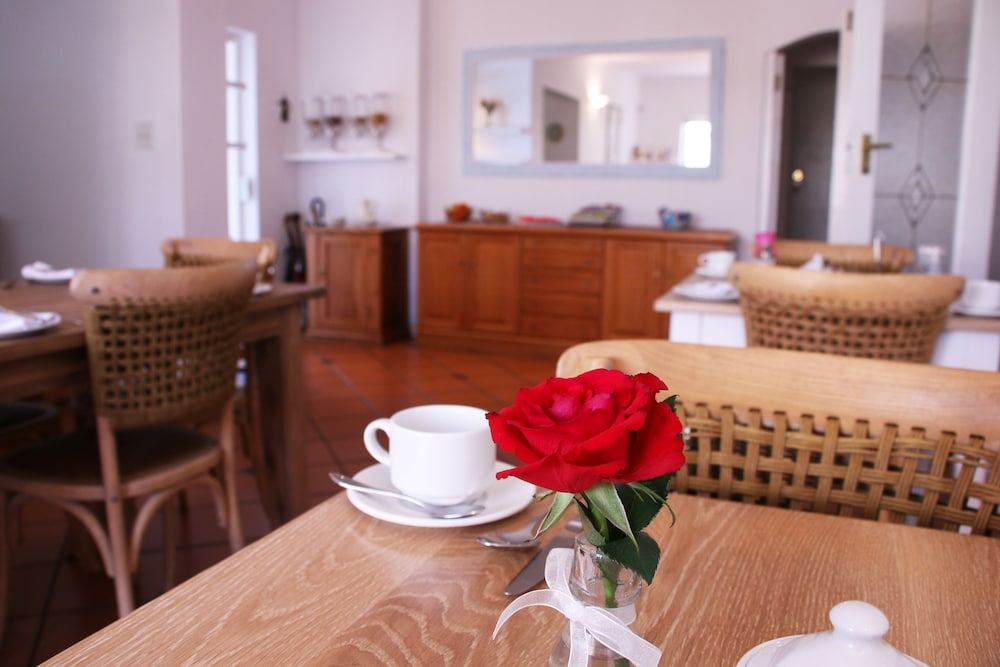 파라디소 게스트 하우스(Paradiso Guest House) Hotel Image 42 - Breakfast Area