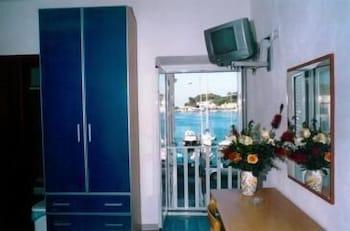 로칸다 술 마레(Locanda sul Mare) Hotel Image 10 - In-Room Amenity