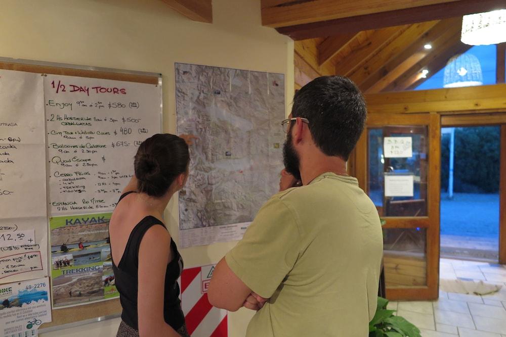 아메리카 델 수르 호스텔 엘 칼라파테(America del Sur Hostel El Calafate) Hotel Image 5 - Reception