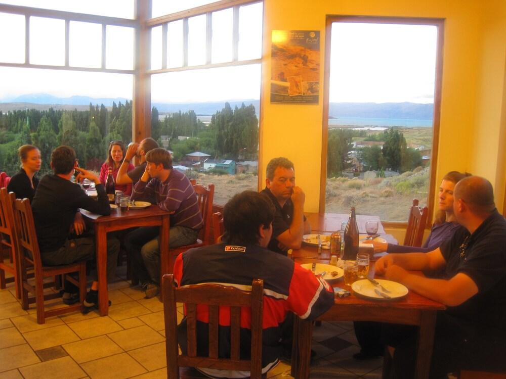 아메리카 델 수르 호스텔 엘 칼라파테(America del Sur Hostel El Calafate) Hotel Image 36 - Restaurant