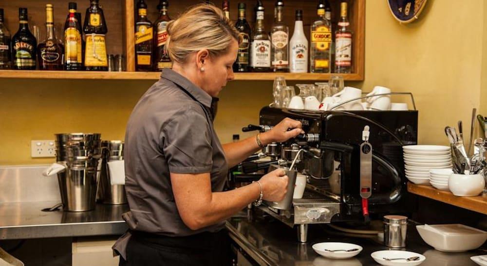 허미티지 로지(Hermitage Lodge) Hotel Image 34 - Coffee Service