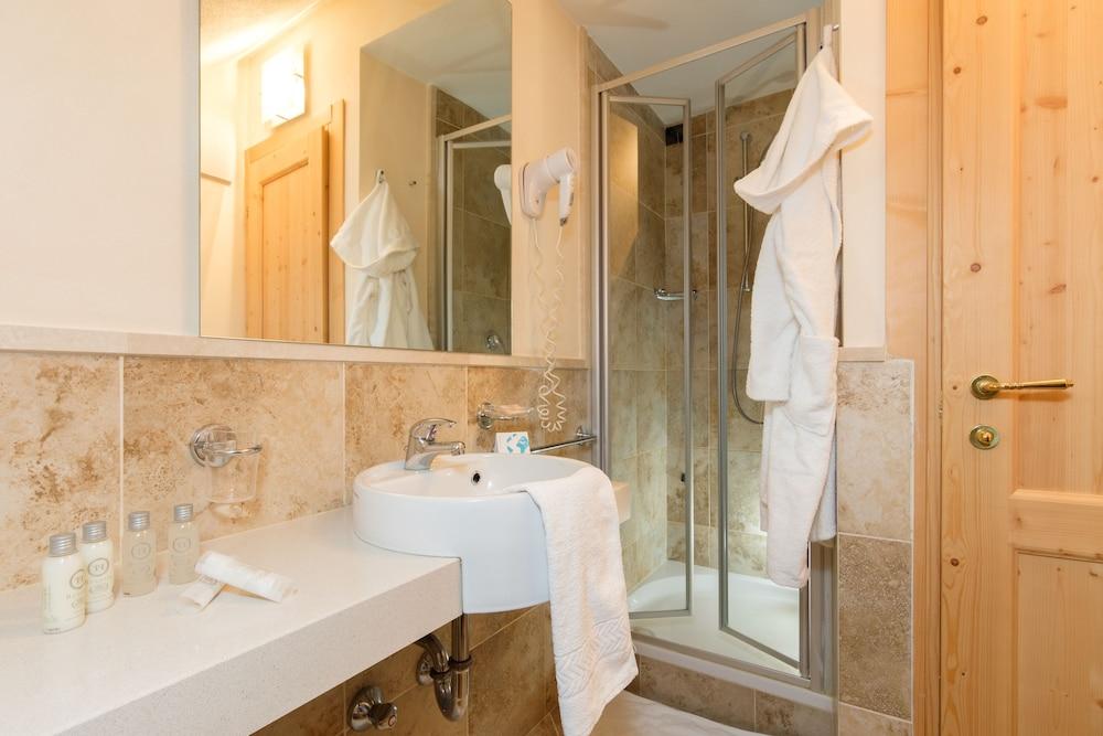 TH 코르바라 - 그라이프 호텔(TH Corvara - Greif Hotel) Hotel Image 9 - Guestroom