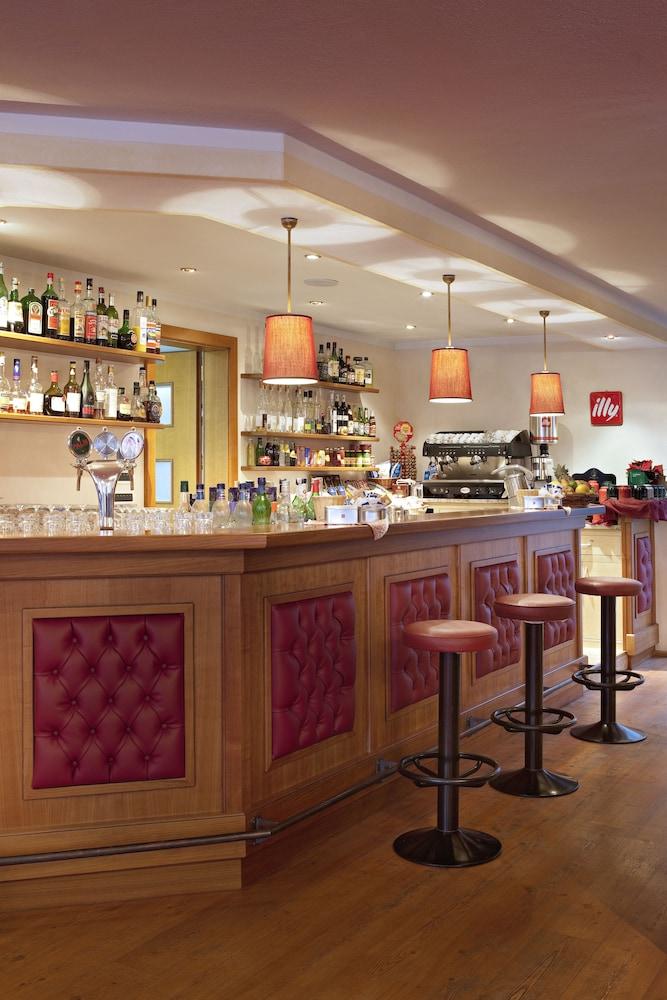 TH 코르바라 - 그라이프 호텔(TH Corvara - Greif Hotel) Hotel Image 22 - Hotel Lounge