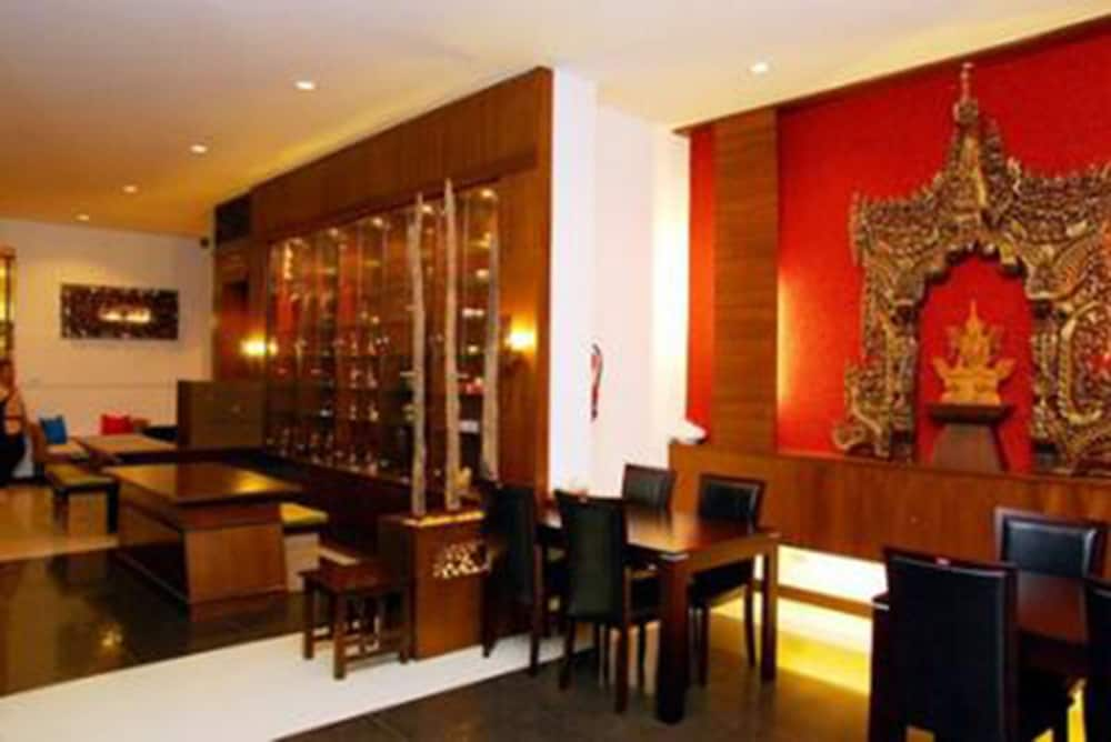 니차 후아인 호텔(Nicha Hua Hin Hotel) Hotel Image 14 - Lobby Lounge