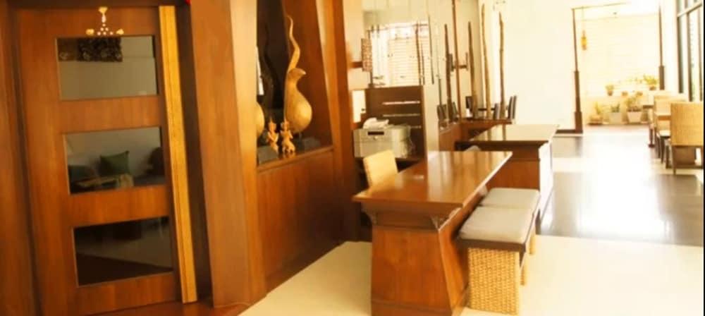니차 후아인 호텔(Nicha Hua Hin Hotel) Hotel Image 13 - Reception
