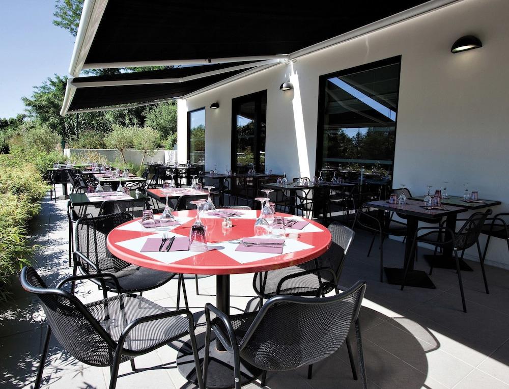 이비스 스타일스 툴루즈 시트 에스파스(ibis Styles Toulouse Cite Espace) Hotel Image 63 - Terrace/Patio