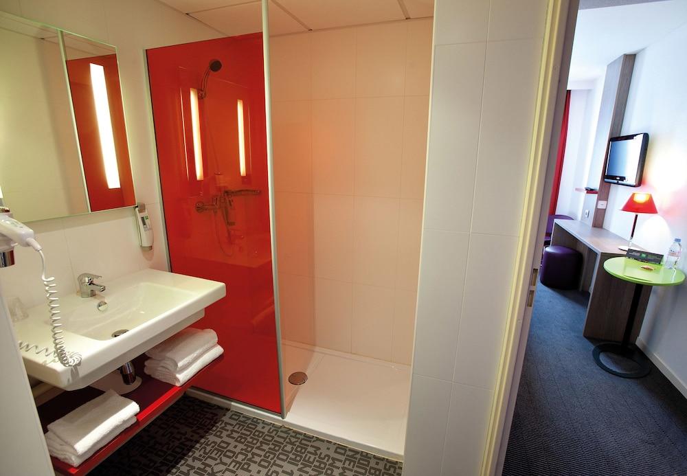 이비스 스타일스 툴루즈 시트 에스파스(ibis Styles Toulouse Cite Espace) Hotel Image 20 - Bathroom