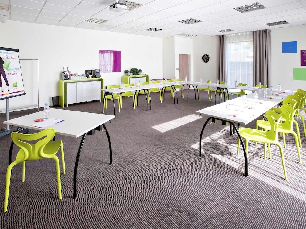 이비스 스타일스 툴루즈 시트 에스파스(ibis Styles Toulouse Cite Espace) Hotel Image 54 - Meeting Facility