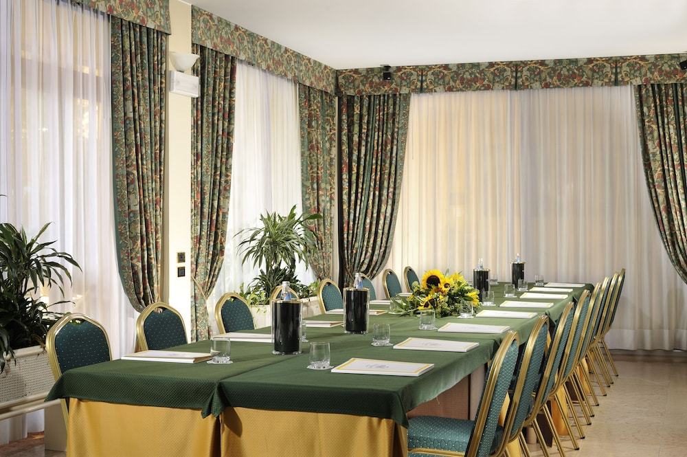 포이아노 리조트 아파트먼츠(Poiano Resort Apartments) Hotel Image 39 - Meeting Facility